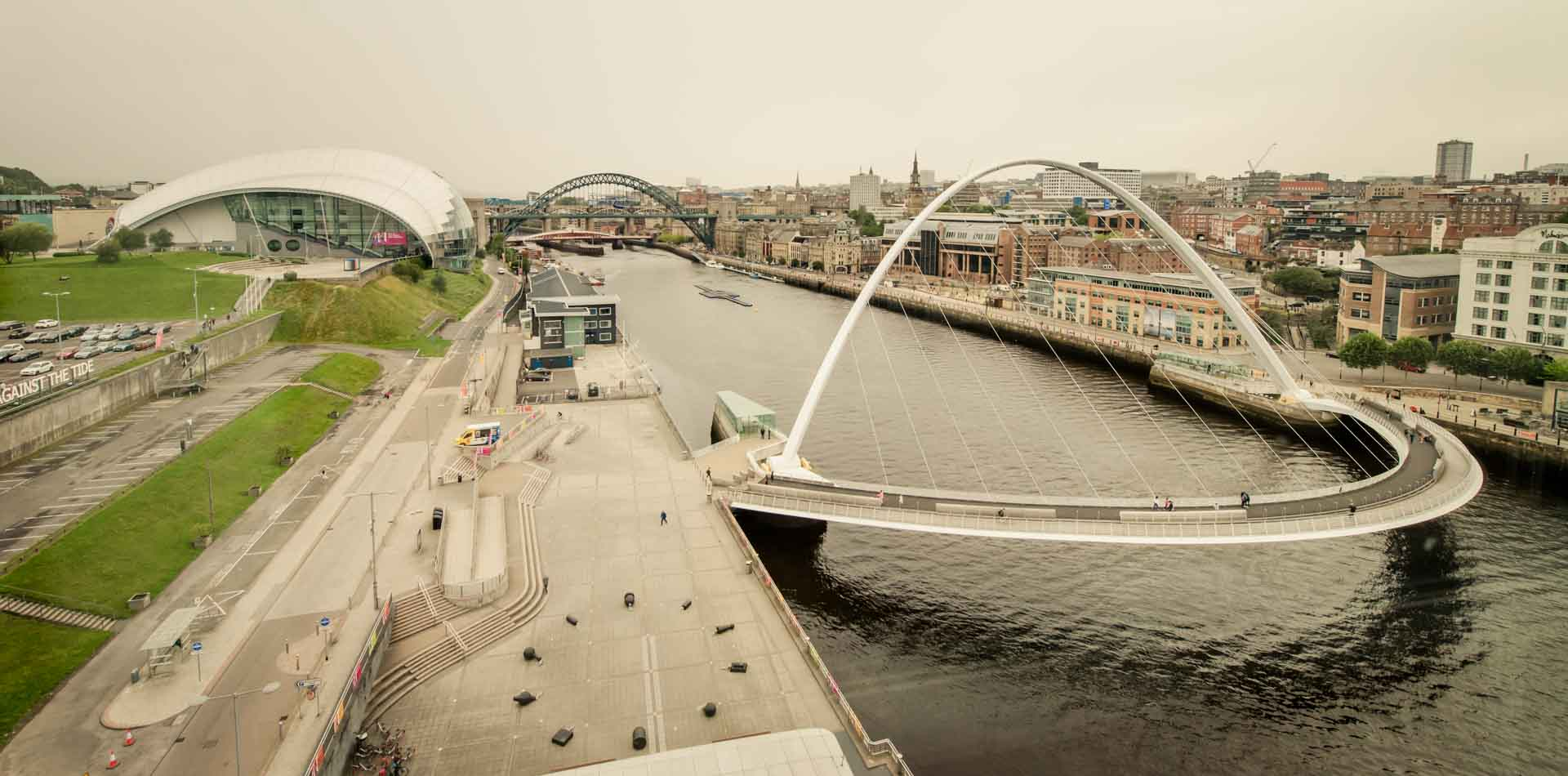 PREMIER SUITES Newcastle Millennium Bridge and Sage Gateshead